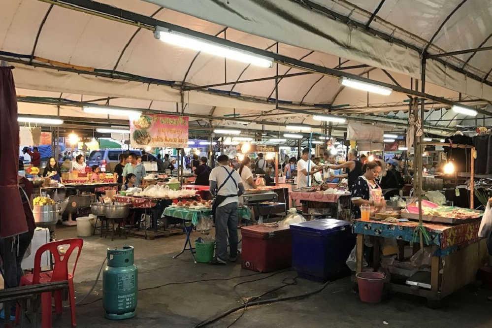 Einheimischenmarkt in Bangkok