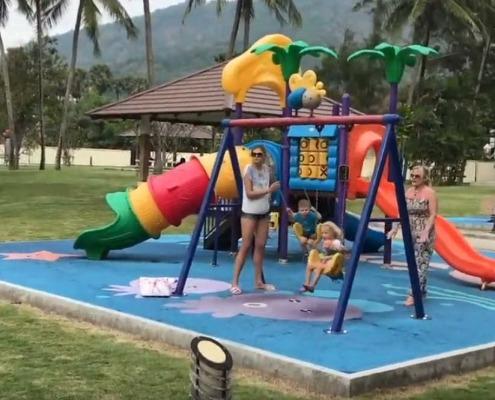 Kata Beach Spielplätze / Phuket